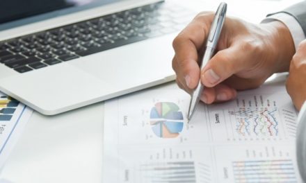 Czynniki wpływające na liczbę złożonych wniosków o upadłość i restrukturyzacje