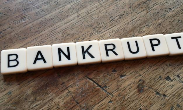 Uchylenie postanowienia o ogłoszeniu upadłości dłużnika a skutki otwarcia postępowania
